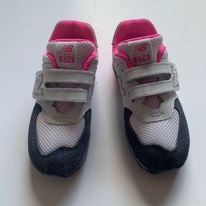 EUC New Balance Sneakers Size: 10